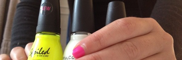"NEON NAIL Mix N Match – ""Bikini"" pink & ""Did I dye it too blonde?"" yellow"