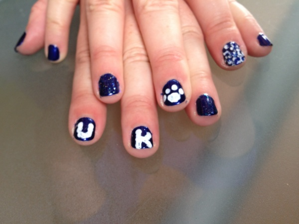Team Spirit University of Kentucky nails